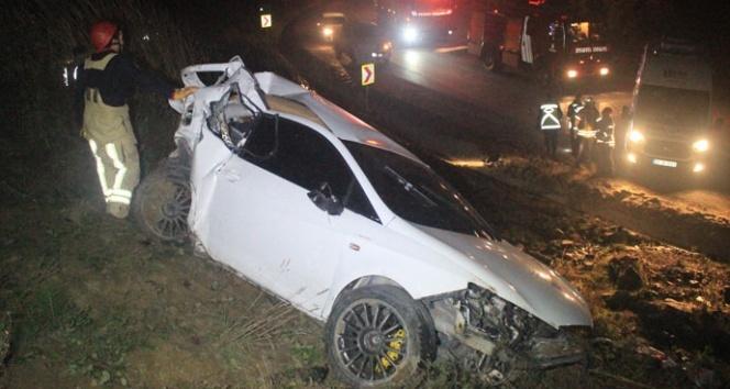 Otomobil yoldan çıkıp metrelerce takla attı: 2 yaralı
