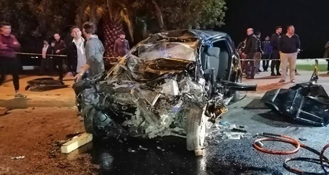 İstanbul'da feci kaza! Hurdaya dönen araçta sıkışanları itfaiye çıkarttı