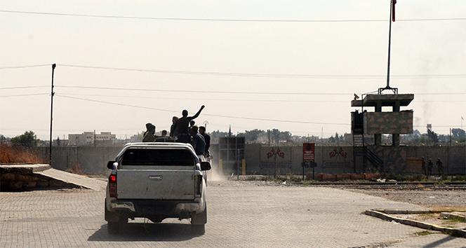 Ağır silahlı Suriye Milli Ordusu birlikleri takviye için Tel Abyad'a geçti