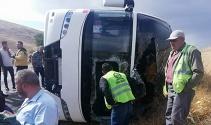 Dinar'da tur otobüsü devrildi: 1 ölü, 4'ü ağır 29 yaralı