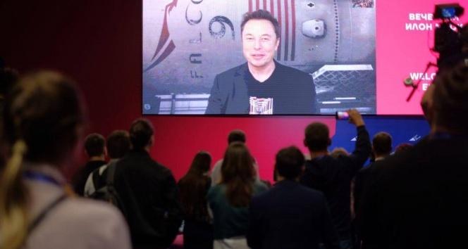 Elon Musk, telekonferans ile Rusya'ya bağlandı