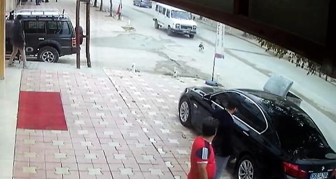 Köpeğe çarpıp kaçtı