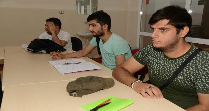 Diyarbakır'da EKPSS kursu başladı