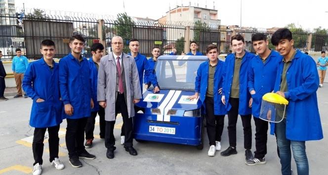 Meslek lisesi öğrencileri elektrikli araç üretti