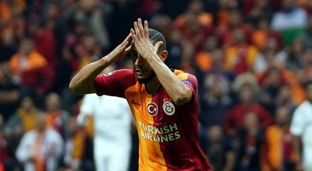 Galatasaray taraftarından Belhandaya tepki