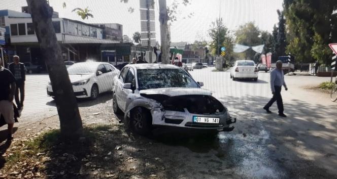 Adana'da, otomobiller çarpıştı: 8 yaralı