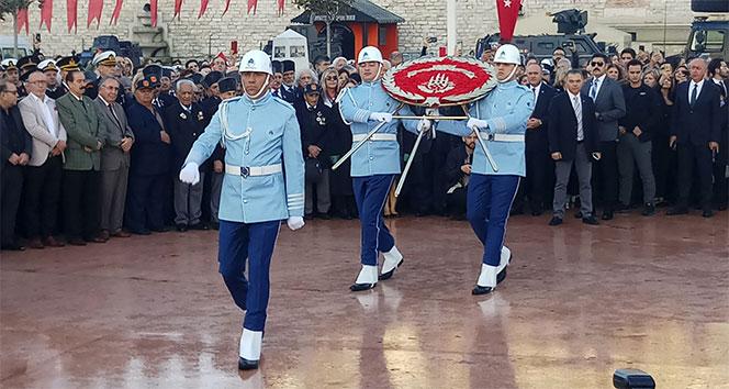 Atatürk Taksim'de de törenle anıldı