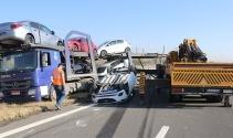 TEM'de kaza yapan tırdaki sıfır otomobiller hurdaya döndü