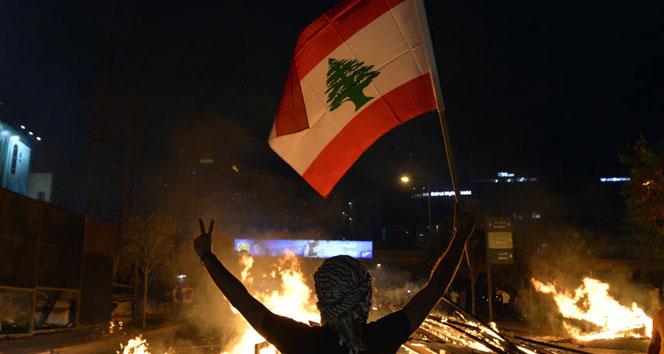 Lübnan protestolarının ilk kurbanı, oğlunun ve eşinin gözleri önünde öldürüldü