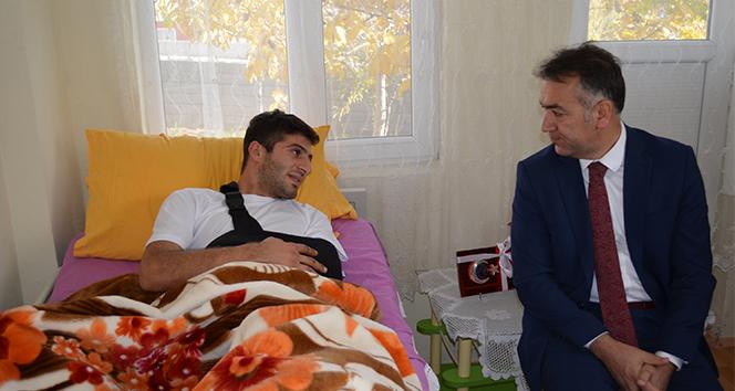 Vali Çağatay'dan Barış Pınarı Harekatı gazisine ziyaret