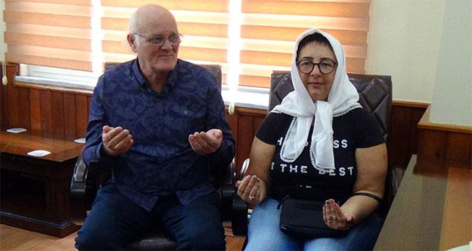 İşaret diliyle Müslüman oldu