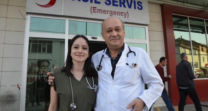 Baba ve kız aynı hastanede şifaya sebep oluyor