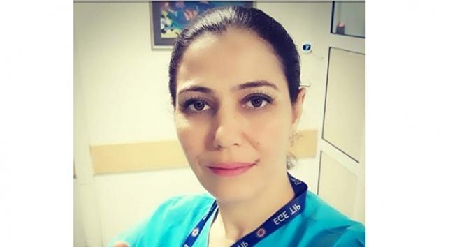 Oğlu tarafından bıçaklanan kadın çalıştığı hastanede yaşam mücadelesi veriyor