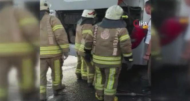 TEM otoyolunda yolcu otobüsünde korkutan yangın