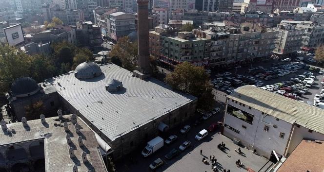 9 asırlık camiye tarihi ayıp