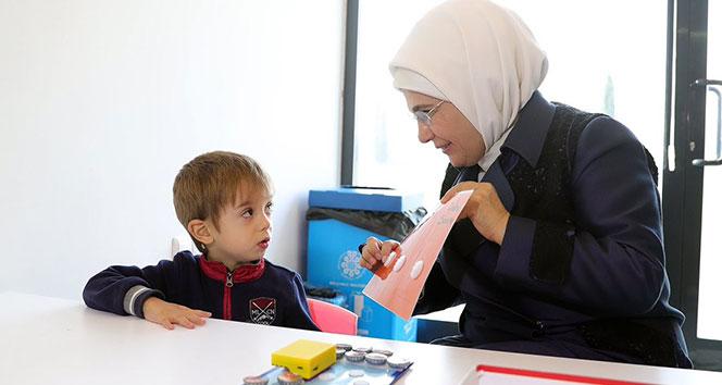 Emine Erdoğan: 'Şu an en acil ihtiyacımız doğal doğumla ilgili olan korku algısının değiştirilmesidir'