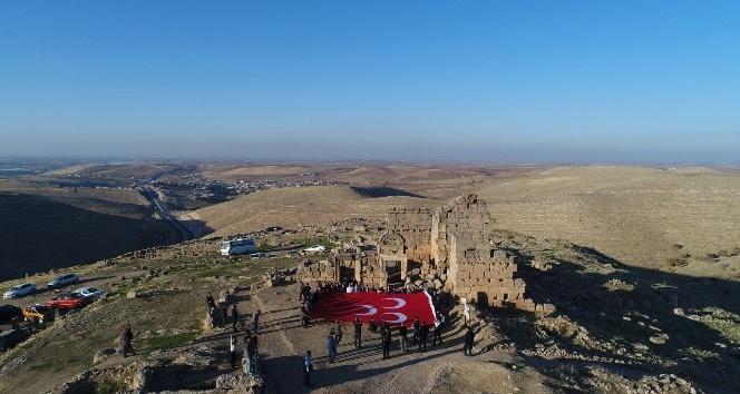 MHP'den Zerzevan Kalesi'ne çıkarma