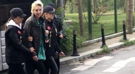 Beşiktaşta başörtülü öğretmene saldıran kadın adliyeye sevk edildi