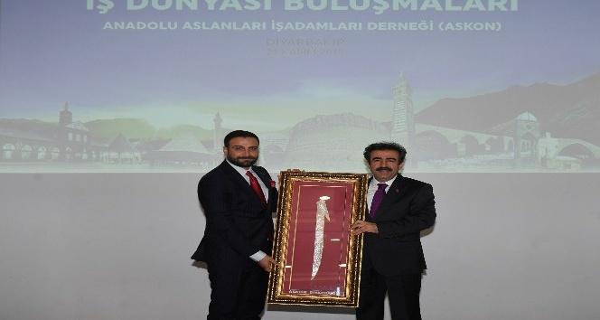 Vali Güzeloğlu, ASKON Diyarbakır Şube yönetimiyle bir araya geldi