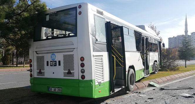 Kayseri'de beton mikseri, halk otobüsüne çarptı: 16 yaralı