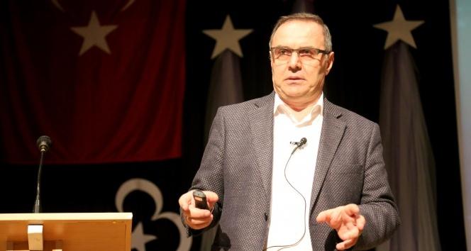 """Prof. Dr. Ömerustaoğlu: """"Daha kaliteli düşünmek için yeterli kelime bilgisine sahip olmalıyız"""""""