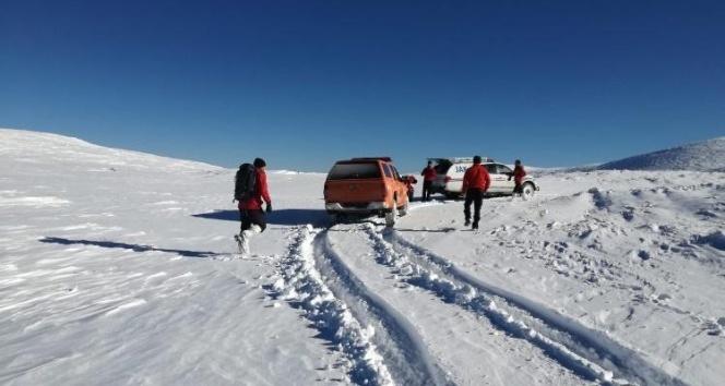 Uludağ'da kayıp dağcıları arama çalışmaları aralıksız sürüyor
