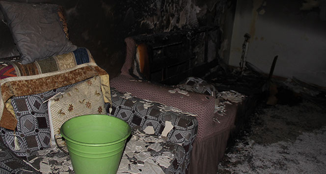 İzmir'de bir günde 2 yangın: 3 ölü