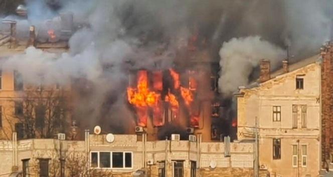 Ukrayna'da kolejde yangın: 1 ölü, 19 yaralı