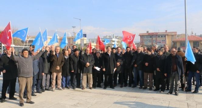 STK'lar Doğu Türkistan'da yaşanan zulme karşı ortak basın açıklaması yaptı