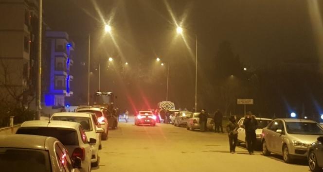 4.6 büyüklüğündeki deprem Balıkesir'i sokağa döktü