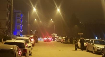 4.6 büyüklüğündeki deprem Balıkesiri sokağa döktü