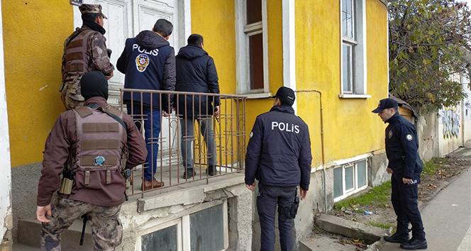 Edirne'de paniğe neden olan saldırgan polisi alarma geçirdi