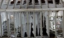 Şadırvanlar buz tuttu, termometreler eksi 15 dereceyi gösterdi !