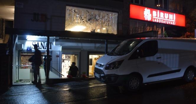Beşiktaş'ta kuaförde patlayan silah 1 kişiyi yaraladı