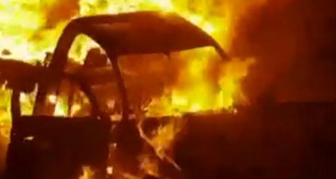 Pakistan'da petrol yüklü pikap otobüsle çarpıştı: 15 ölü