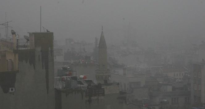 Suriye sınırındaki Kilis'te sis etkili oluyor