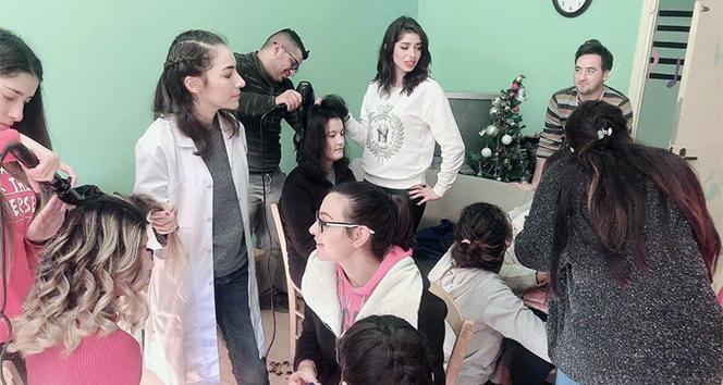 Üniversite öğrencilerinden engelli gençlere saç ve güzellik bakımı