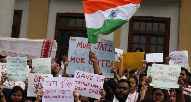 Hindistan'daki protestolarda ölü sayası 6'ya yükseldi