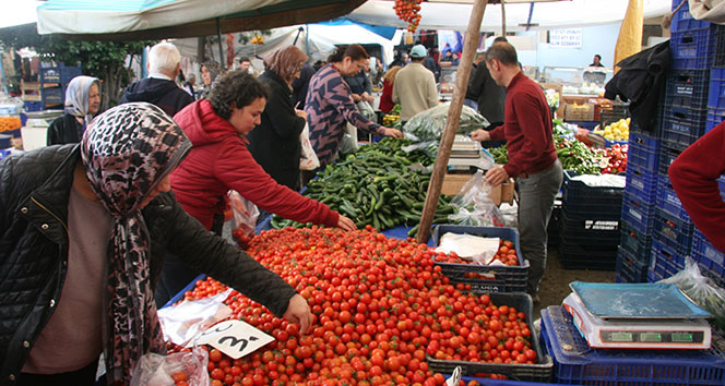 Havaların soğuması ile sebze ve meyvede fiyat artışı yaşanmaya başladı