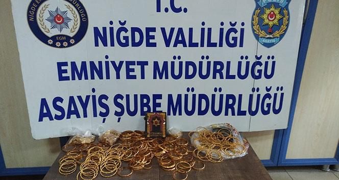 Sahte altın ve sikke ile dolandırıcılık yapmaya çalışan 3 Suriyeli yakalandı