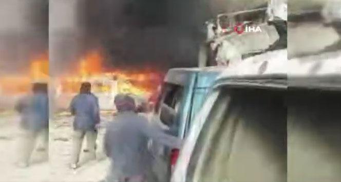 Rejim uçakları İdlib'te sanayi bölgesini vurdu: 7 ölü, 20 yaralı