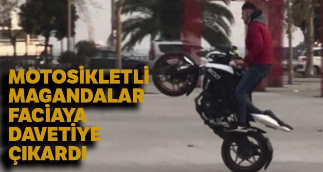 Motosikletli magandalar tek teker üzerinde ilerledi, insanların hayatını hiçe saydılar