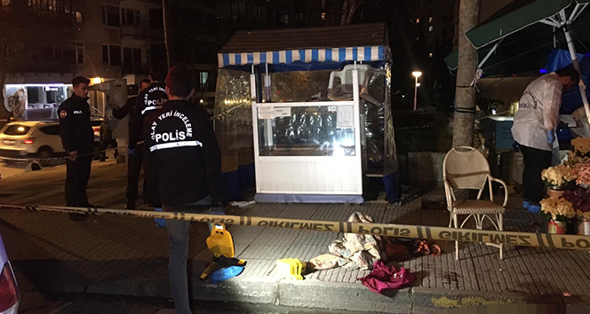 Kadıköy'de bir şahsın sokak ortasında silahla vurduğu annesi ve eşi hayatını kaybetti. ile ilgili görsel sonucu
