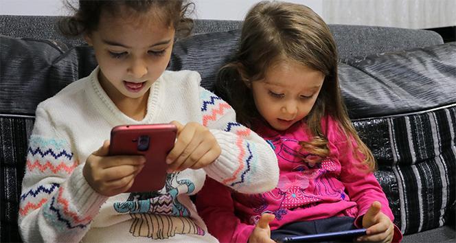 Tatilde çocukların internet kullanım sürelerindeki artış riskli