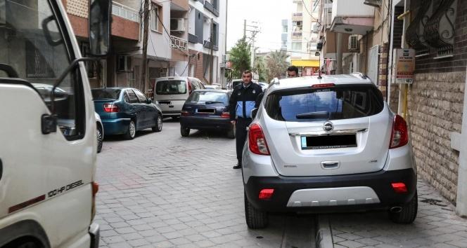 Otomobilli kaldırım işgaline önce uyarı, sonra ceza