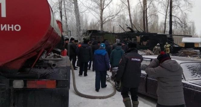 Rusya'da köy evinde yangın: 11 ölü