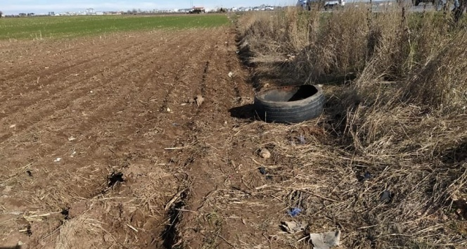 Şanlıurfa'da yol kenarına gizlenmiş patlayıcı bulundu