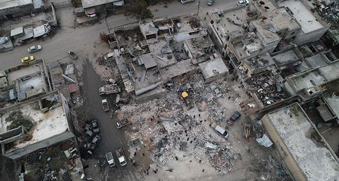 Esad ve Rus uçaklarından İdlib'e hava saldırısı: 8 ölü