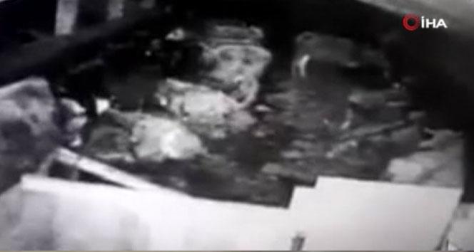 Akyurt'taki deprem güvenlik kamerasına yansıdı