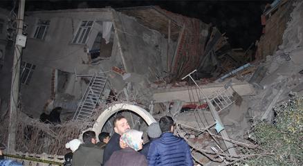Elazığda 6,8 büyüklüğünde deprem! 19 kişi hayatını kaybetti, 782 kişi yaralandı